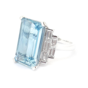 Exceptional Aquamarine and Diamond Set Ladies Ring